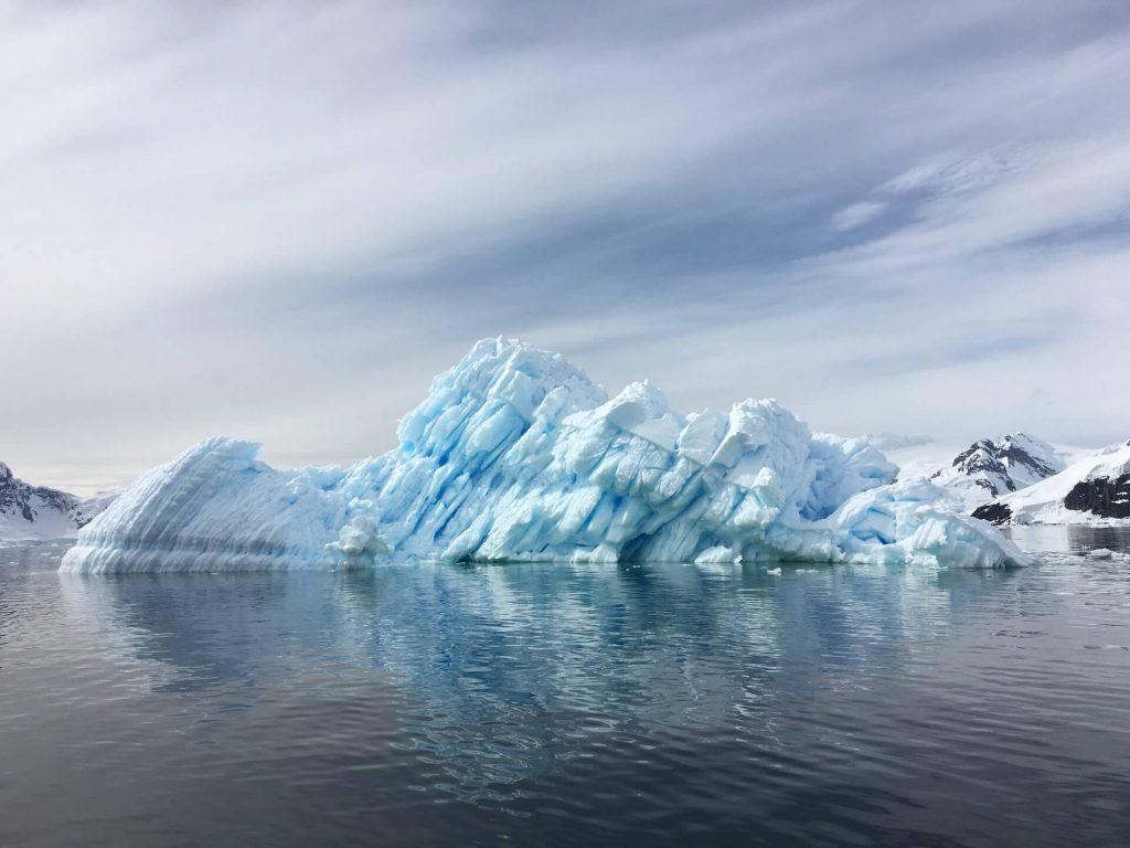Lód na Antarktydzie.