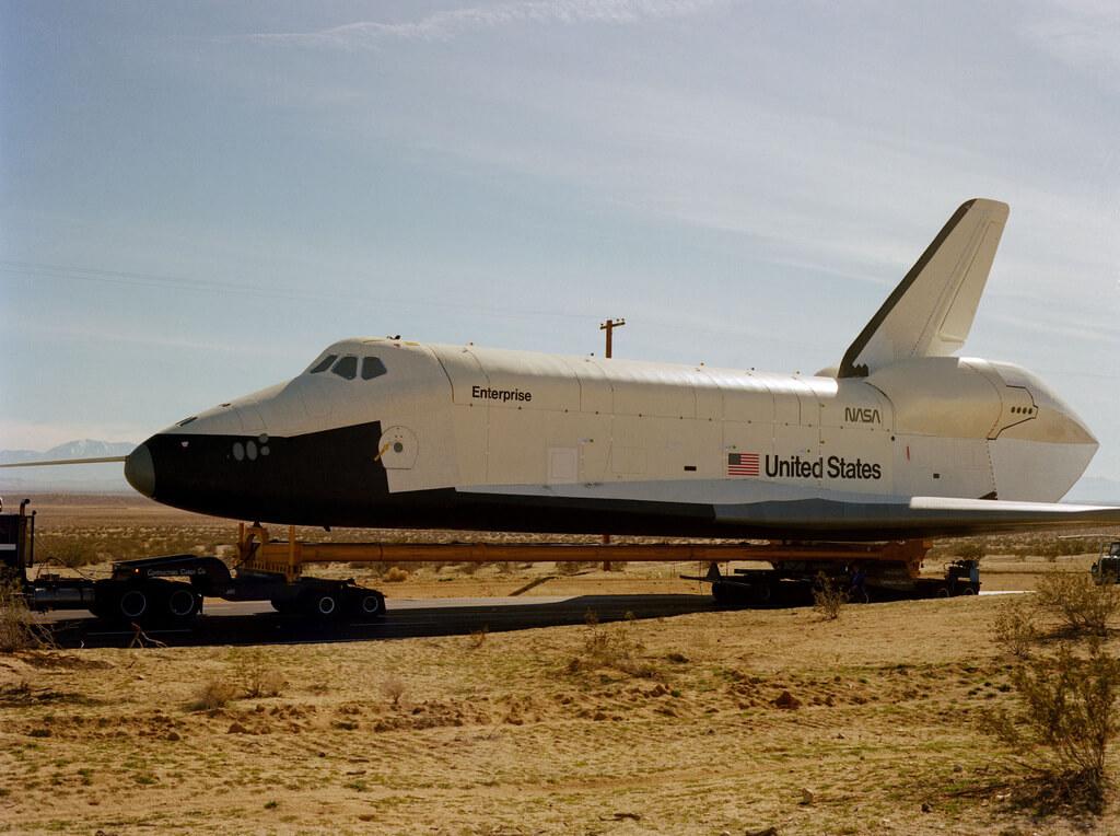 Enterprise - pierwszy amerykański prom kosmiczny.